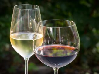 Vino bianco rosso